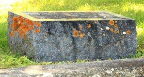 Винтажный надгробный камень Стоковая Фотография RF
