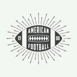 Винтажный логотип шарика американского футбола или рэгби, значок или ярлык Стоковое Изображение RF