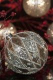 Винтажный орнамент 2 рождества серебра Меркурия Стоковая Фотография RF