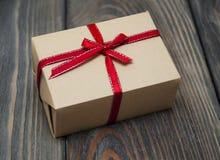 Винтажный пакет подарочной коробки Стоковая Фотография
