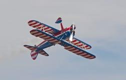 Винтажный пилотажный самолет-биплан Стоковые Фото