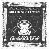 Винтажный плакат gangsta Череп в bandana и hoodie типографский для печати, футболки, дизайна тройника Стоковое фото RF