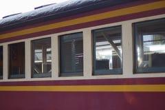 Винтажный поезд, который нужно уйти от станции Стоковое Изображение RF
