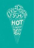 Винтажный плакат стиля grunge мороженого Ретро дизайн ярлыка оформления также вектор иллюстрации притяжки corel Стоковые Изображения