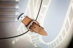 Винтажный ремень Bonnet гоночного автомобиля Стоковая Фотография RF