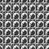 Винтажный ретро бак чая и чашка чая повторяют картину в черно-белом Стоковая Фотография RF