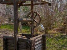 Винтажный смотритель экипажа корабля покинул вентилятор дороги металла дерева спиц колеса комфорта императора Стоковое Изображение RF