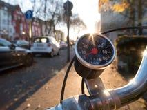 Винтажный спидометр на старом велосипеде Стоковое фото RF