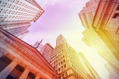 Винтажный стиль Уолл-Стрит на заходе солнца, Нью-Йорк instagram, США Стоковые Изображения RF