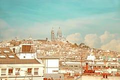 Винтажный тон церков Montmartre и Sacre-Coeur, Парижа Стоковое Изображение RF