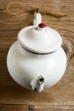 Винтажный чайник металла Стоковое Фото