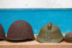 Винтажный шлем армии WWII в воинском советском бункере Стоковое фото RF