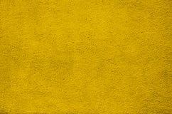 Винтажным предпосылка стены гипсолита покрашенная желтым цветом Стоковая Фотография