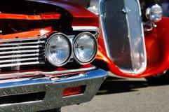 2 винтажных автомобиля на выставке автомобиля Стоковое фото RF