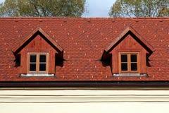 2 винтажных вертикальных окна крыши Стоковые Фото