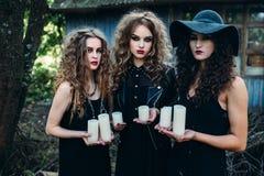 3 винтажных женщины как ведьмы Стоковые Изображения
