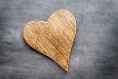 2 винтажных сердца на серой предпосылке металла Стоковые Изображения RF