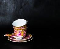 2 винтажных чашки, sauceres и ложки Стоковая Фотография RF
