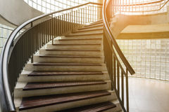 винтовая лестница деревянная Круговая лестница Стоковые Изображения RF