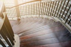 винтовая лестница деревянная Круговая лестница Стоковое Изображение RF