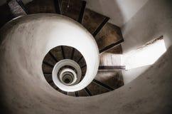 Винтовая лестница в башне старой церков стоковые изображения rf