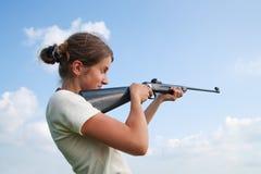 винтовка девушки воздуха стоковые изображения