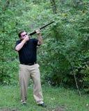 винтовка человека звероловства aimig Стоковые Фотографии RF