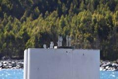Винты в бетоне стоковая фотография