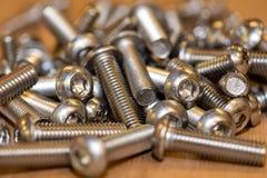 Винты миллиметра, используемые в автомобильной промышленности стоковые фото