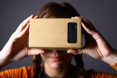 Виртуальная реальность картона Стоковая Фотография