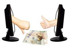 Виртуальный одно или не одно - концепция дела интернета - объединяйтесь в команду успех работы или не успех с евро Стоковая Фотография RF