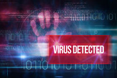 Вирус обнаруженный против голубого дизайна технологии с бинарным кодом Стоковое фото RF