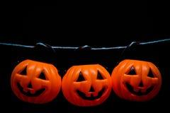 Висеть много ужас или страшная тыква для концепции дня хеллоуина Стоковые Фотографии RF