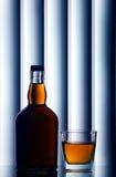 виски бутылочного стекла шотландский стоковое изображение