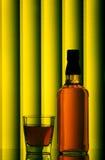 виски бутылочного стекла стоковое изображение