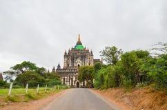Виски и пагоды в равнинах Bagan, Мьянма Стоковое Фото