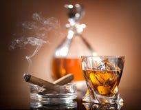 Виски и сигара Стоковое Изображение RF