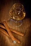 Виски и сигары Стоковые Фотографии RF