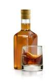 Виски, питье спирта иллюстрация вектора