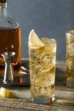 Виски Highball с элем имбиря Стоковые Фотографии RF