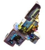 Висмут Кристл красочный искусственно, который выросли на белой изолированной предпосылке стоковое изображение