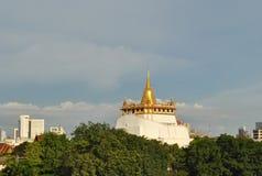 Висок горы золота в Бангкоке Таиланде Стоковые Изображения RF