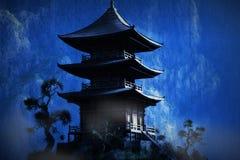 Висок Дзэн буддийский в горах бесплатная иллюстрация