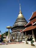 Висок и красивое место в Таиланде ладан, горелка ладана, ручка ладана Стоковые Изображения RF