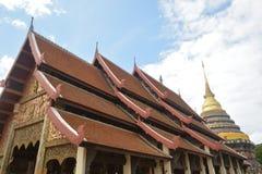 Висок и пагода стиля Lanna буддийский Стоковые Изображения