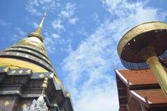 Висок и пагода стиля Lanna буддийский Стоковое Изображение RF
