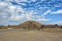 Висок луны в древнем городе Teotihuacan Мексике стоковое изображение