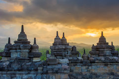 Висок на восходе солнца, Java Borobudur, Индонезия стоковое изображение rf
