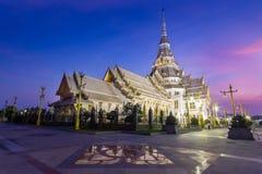 Висок на сумерк, Таиланд Sothon Wararam Worawihan стоковое изображение
