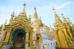 Висок пагоды Shwedagon, золотая пагода в Янгоне стоковое изображение rf